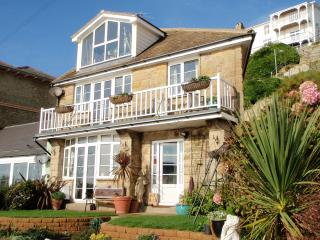 Perfect 2 bedroom Cottage in Ventnor with Internet Access - Ventnor vacation rentals