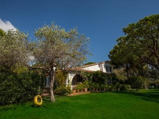 6 bedroom Villa with Internet Access in Santa Margherita di Pula - Santa Margherita di Pula vacation rentals