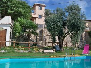 """Lo spirito libero"" Alba - Montebuono vacation rentals"