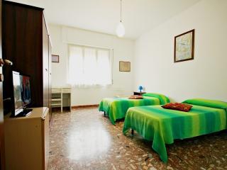 Comfy central apartment - Rome vacation rentals
