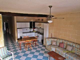 2 bedroom Condo with Internet Access in Marsalforn - Marsalforn vacation rentals