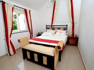 Perfect 3 bedroom Bungalow in Palmar - Palmar vacation rentals
