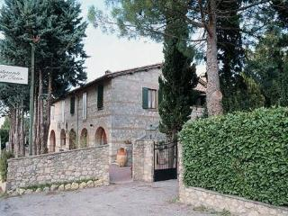 Beautiful B&B with Internet Access and Grill - Sarteano vacation rentals