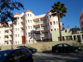 1 bedroom Condo with Internet Access in Monte Gordo - Monte Gordo vacation rentals