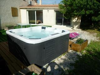 Romantic 1 bedroom Condo in Salon-de-Provence - Salon-de-Provence vacation rentals