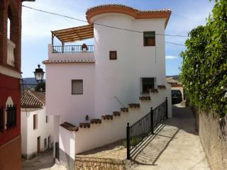 Beautiful House with Internet Access and Television - Albunuelas vacation rentals