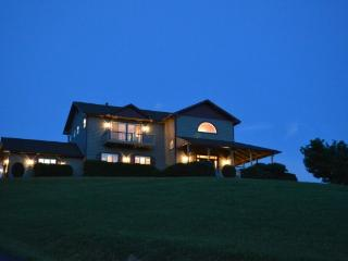 A Glowing View Location: Boone / Valle Crucis - Boone vacation rentals