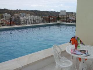 """Whatever Ocean-Beach & Pool"" - Caparica vacation rentals"