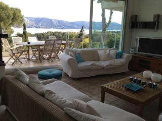 Cap Benat villa vue mer domaine privé - Bormes-Les-Mimosas vacation rentals