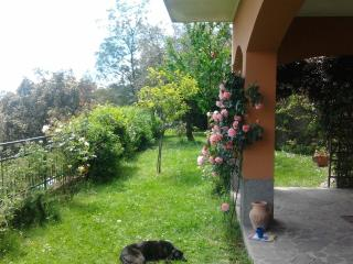 CASA VACANZE CON GIARDINO - Chiavari vacation rentals