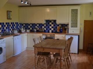 Lovely Cottage with Dishwasher and Toaster - Dunkeld vacation rentals