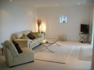 38 Marinus Apartment - Cowes vacation rentals