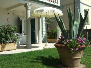 Residence Villa Piani Bilo B/4 app. n. 2 - San Vincenzo vacation rentals