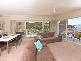 Sunny Spacious Seaview Stunner - Paihia vacation rentals