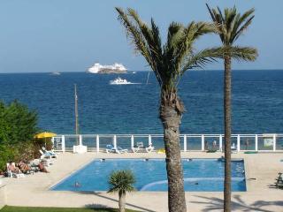 Stunning two bedroom flat in Playa den Bossa - Playa d'en Bossa vacation rentals