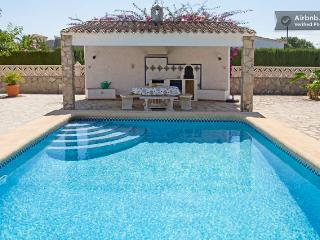 FANTASTIC VILLA NEAR THE BEACH WITH PRIVATE POOL - Els Poblets vacation rentals