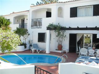 Lovely Townhouse with A/C and Tennis Court - Vale do Lobo vacation rentals