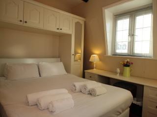 3 Bedroom Apartment - London vacation rentals