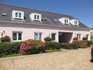 Beautiful Guernsey self-catering holiday cottage - Saint Martins vacation rentals
