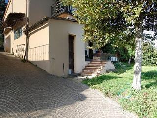 Appartamento Marvena B - Romola vacation rentals