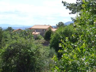 Cozy 3 bedroom Belmonte Farmhouse Barn with Satellite Or Cable TV - Belmonte vacation rentals