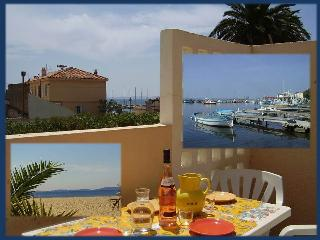 Charming beach apartment Hyères-Marines du Levant - Hyères vacation rentals