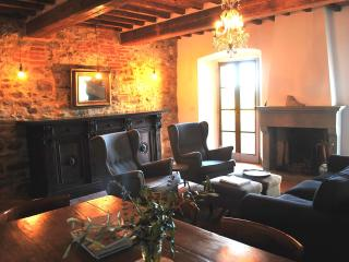 Casa Terrazza: Grand Tuscan house in medieval village with large terrace for alfresco dining, sleeps 7 - Lucignano vacation rentals