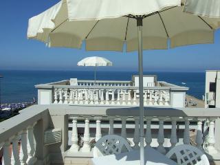 Residence Villa Piani Trilo B/6 app. n. 6 - San Vincenzo vacation rentals