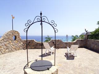 MISTRAL RESIDENCE- PORTYNORD - Lipari vacation rentals