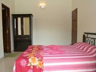 Beautiful Apartment in Calangute with Garden, sleeps 6 - Calangute vacation rentals