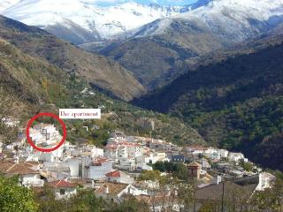 Lovely 1 bedroom Apartment in Guejar Sierra - Guejar Sierra vacation rentals