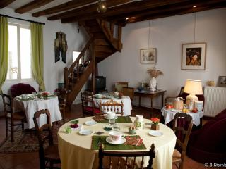 Cozy 3 bedroom Bed and Breakfast in Loches - Loches vacation rentals