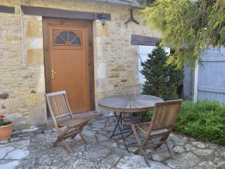 Lovely 1 bedroom Gite in Frayssinet-le-Gelat - Frayssinet-le-Gelat vacation rentals