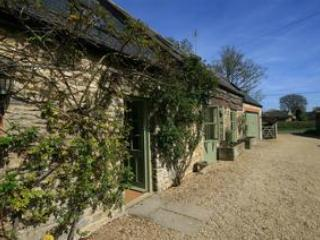 Little Somerford Cottage, a classic English Country Cottage - Malmesbury vacation rentals
