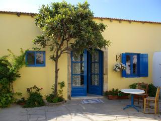 Lovely 1 bedroom Maroni Condo with Internet Access - Maroni vacation rentals