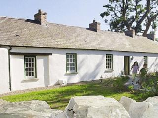 2 bedroom Cottage with Outdoor Dining Area in Downpatrick - Downpatrick vacation rentals