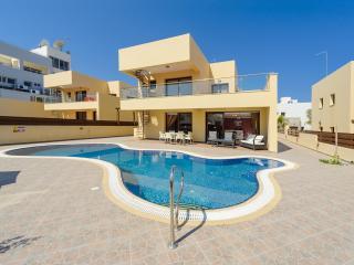 Villa Thalia (No.9) - Superb 3-BDM villa with pool - Protaras vacation rentals