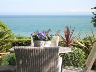 Luxury seaside self catering holiday accommodation overlooking St Margaret's Bay - St Margaret's Bay vacation rentals