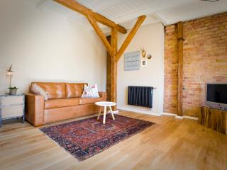 Berlin Base Apartments - Loft with balcony - Berlin vacation rentals