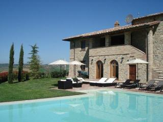 6 bedroom Farmhouse Barn with Internet Access in Perugia - Perugia vacation rentals