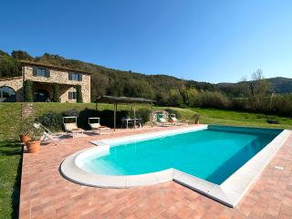 Splendid 4 bedroom Tuscan villa with swimming pool, private grounds and terrace - Guardistallo vacation rentals