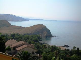 Nice Villa with Garden and Long Term Rentals Allowed (over 1 Month) - Sciacca vacation rentals