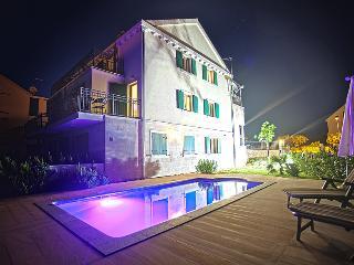 Villa Milena - ground floor 2-bedroom apartment - Cove Makarac (Milna) vacation rentals