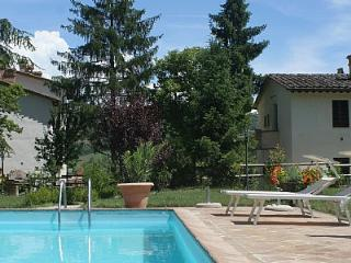 Nice House with Deck and Internet Access - Montone vacation rentals