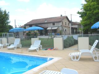 5 bedroom House with Internet Access in Aubeterre-sur-Dronne - Aubeterre-sur-Dronne vacation rentals