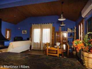 Nice Cottage with Internet Access and A/C - Laspuna vacation rentals