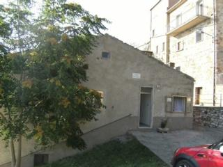 Bright 4 bedroom Campobasso House with Television - Campobasso vacation rentals