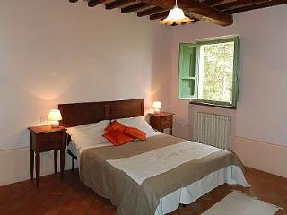 Beautiful 1 bedroom Montone House with Deck - Montone vacation rentals