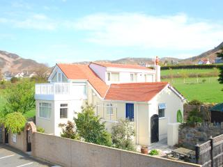 Perfect 3 bedroom Dwygyfylchi House with Deck - Dwygyfylchi vacation rentals
