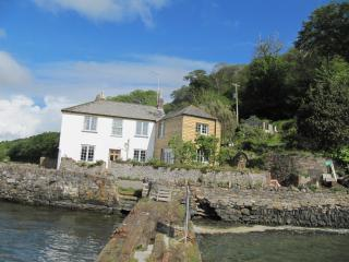 Beautiful waterside property close to beaches - Cawsand vacation rentals